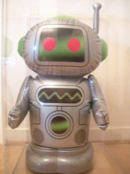 <b>Inflatable Robot</b> (2002)